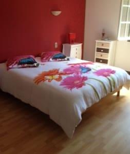 3 chambre a louer chez particulier - Escalans - Casa