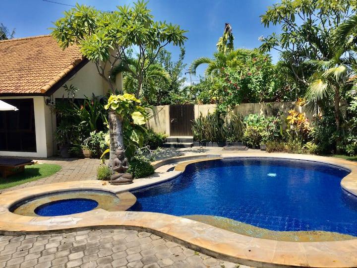 Beachfront Villa, 5 bedrooms, pool & gardens .