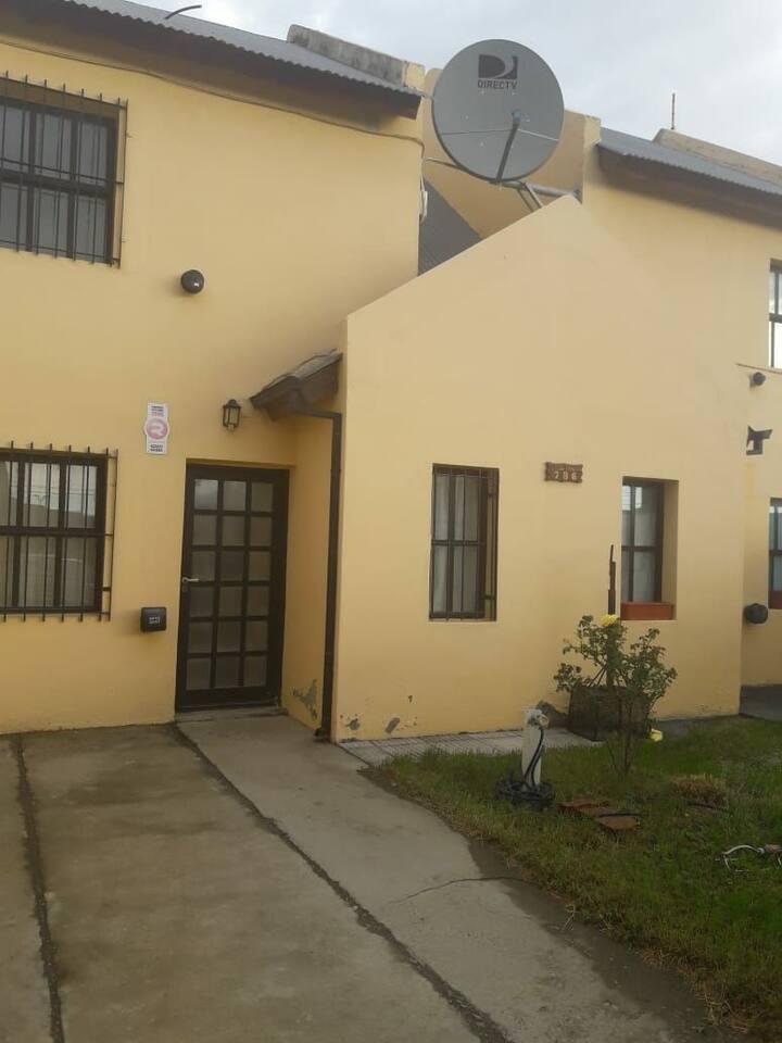 Casa/departamento dos plantas, para 4 a 5 personas
