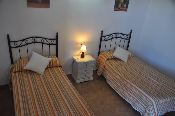 Hostal El Levante - Doble sin terraza - 2 camas, baño privado - Tarifa estandar