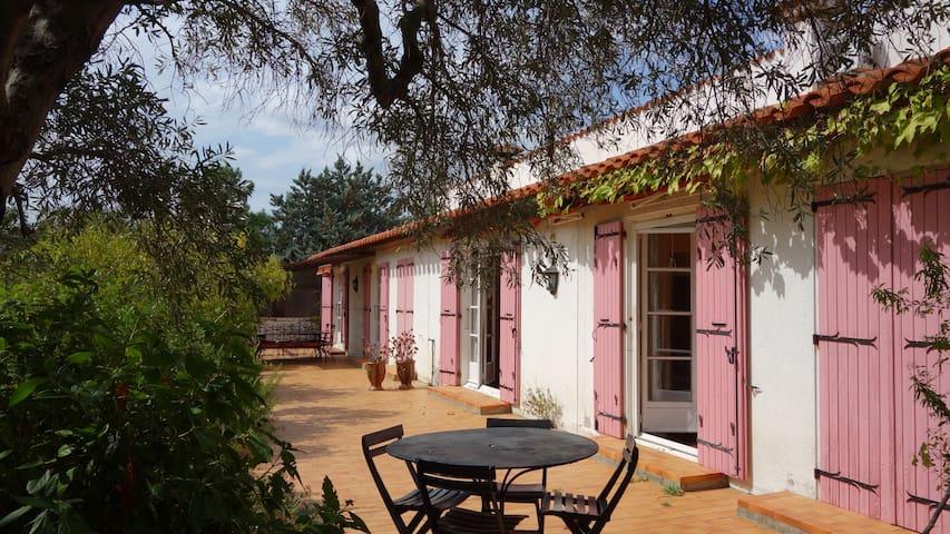 Maison familiale 200 m2, PISCINE, grand jardin