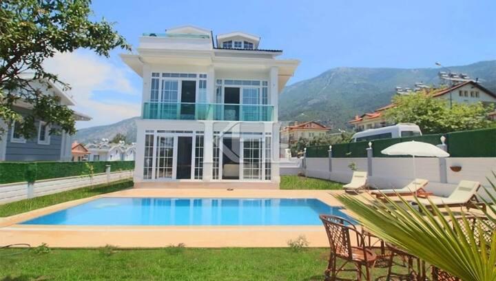 Villa Mirac (New Detached ) Korunaklı Özel Havuzlu