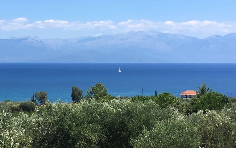Koroni area home with sea view and mountain view