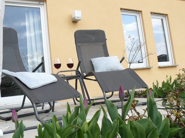 Entspannen am Teich & Relaxen am Kamin