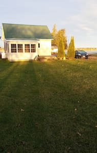 Renovated Waterfront - swim, yard, deck & dock! - Alburgh - House