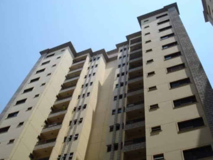 Apartamento mobiliado seguro e bem localizado