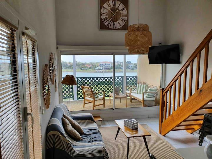 Terrasse de 20m2 pour cet appartement tout à pied!