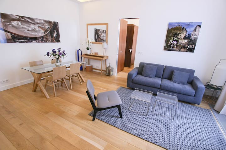 PEACEFUL FLAT RIGHT NEXT TO CHAMPS ELYSEES