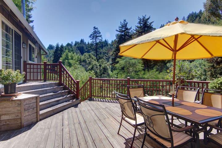 Beautiful, Serene, Mountain Getaway with Hot Tub - Santa Cruz - Casa