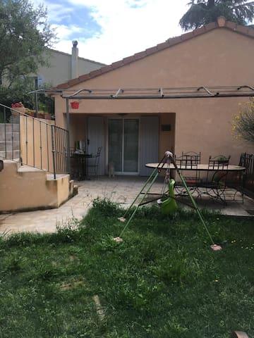 Maison avec vue sur le Village