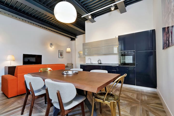Elegant 2bdr in the heart of Rome! 81678