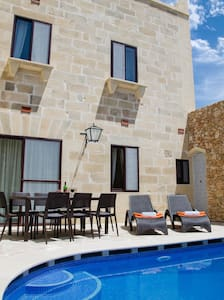 TRANQUILITY B&B, PRIVATE ROOM/ENSUITE/POOL - Xagħra - Penzion (B&B)