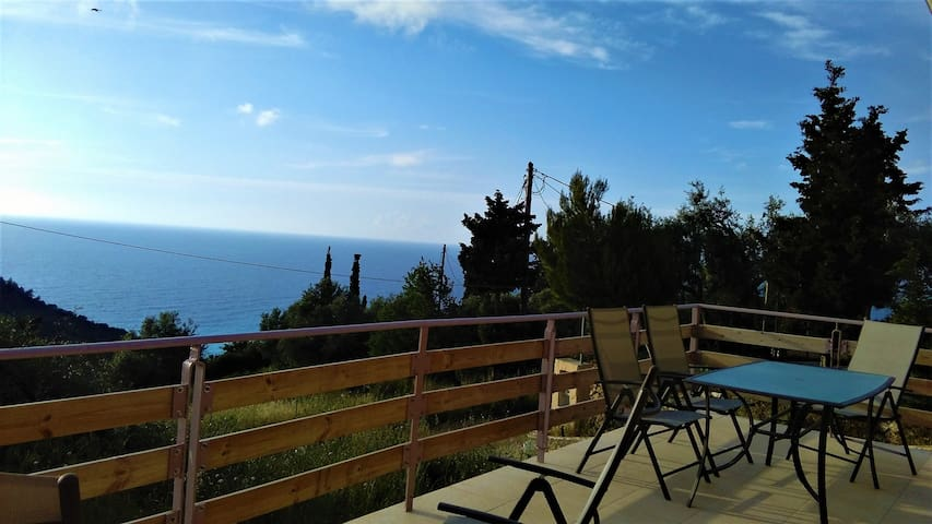 Xathiti House - Agios Nikitas - Casa