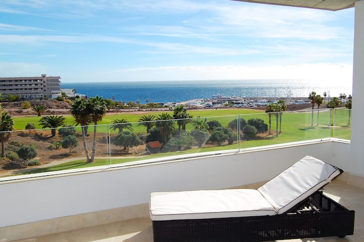 Unit 4 Amarilla Golf Villas - stunning 4 bed
