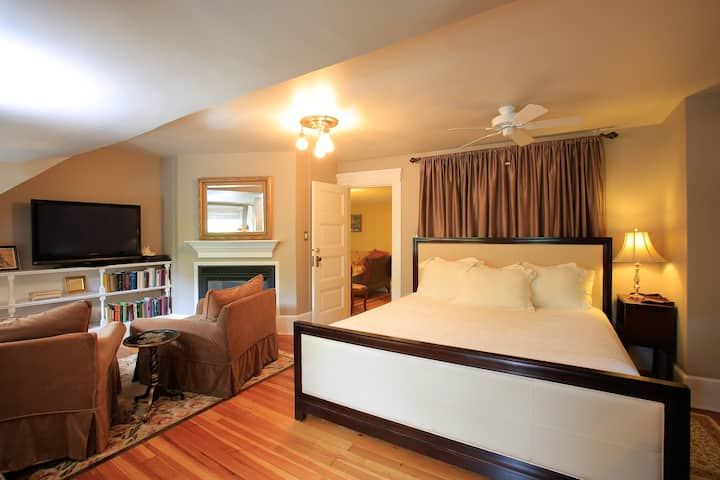 Large king suite with private balcony and soaking tub
