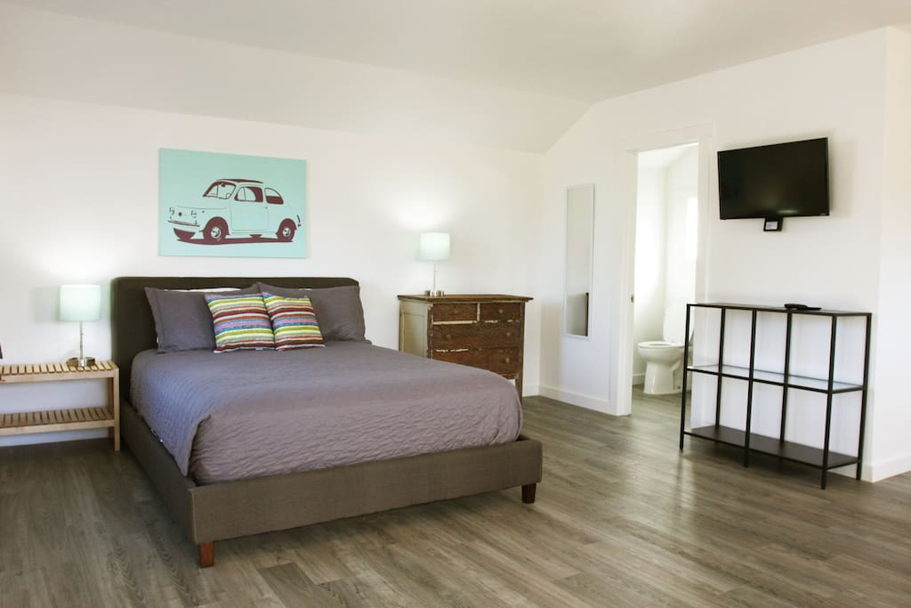 As well as all bed linens, smart T.V. and wi-fi are also provided to make your stay as comfotable as possible.