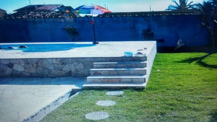 Casa em Itanhaém 4 quartos e piscina