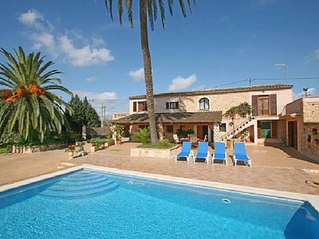 Finca typique avec piscine ETV3843