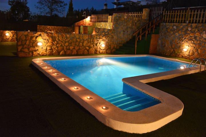 Villa  Sitges La Pineda 2 Pools. 1 for Kids. - Sant Pere de Ribes - Casa de camp