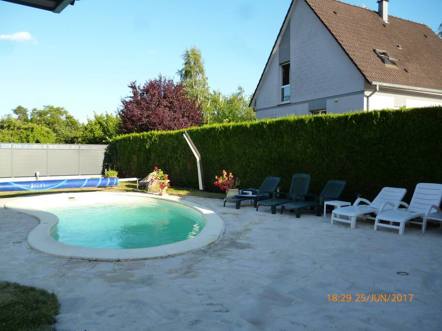 PISCINE NON PRIVATIVE