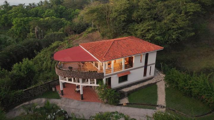 2bd apt in house 2floor,ocean view,terrace,H/W,A/C