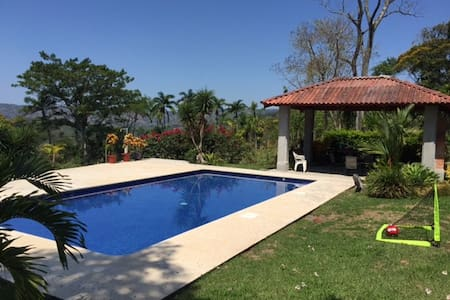 Beautiful property in Tabarcia, SJO - Tarbaca - 一軒家