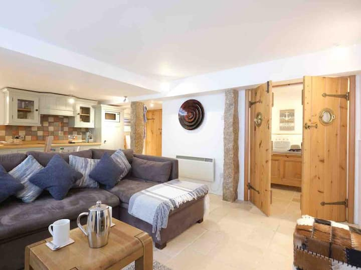 Converted fishing net loft, yards from harbour