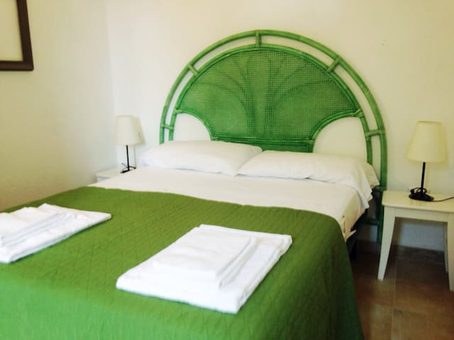 Lovely 2 room central apartment porto rotondo - Porto Rotondo