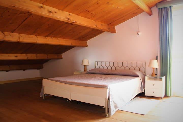 La Tinaia Country House Bed & Board (IUN E8655)