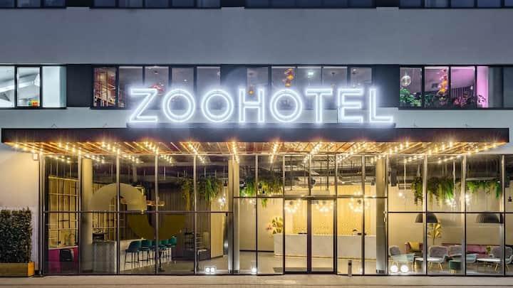 HOTEL ZOO - POKÓJ DWUOSOBOWY Z BALKONEM