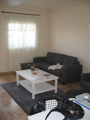 Mid terrace 2 bed town house . - Orihuela - Hus