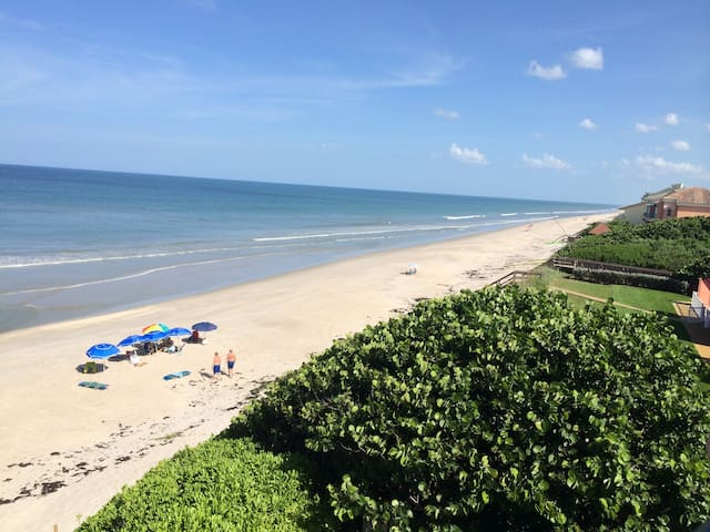 Direct Ocean Front Condo with Incredible Views!