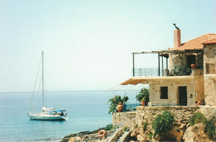 Wheelhouse Trachila Mani