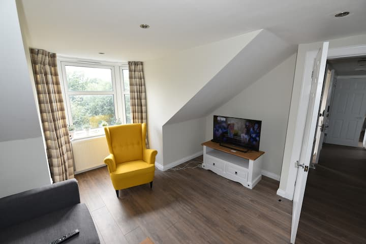 ✔ Seagate Apartment ✔ Fast WiFi ✔ Free Parking ✔