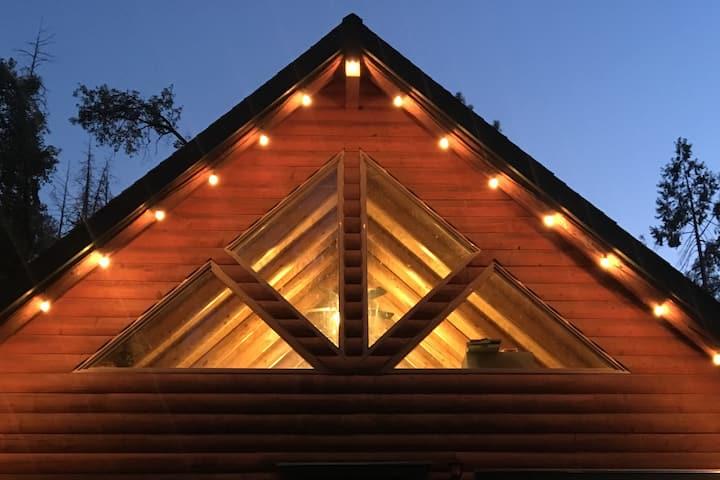 Timber & Creek- Log Cabin Near Yosemite
