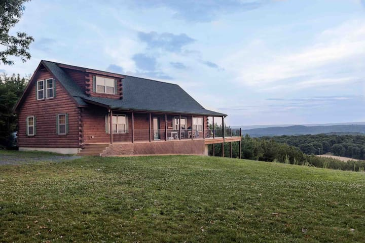 ★ See 4 States From The Deck ★Sleeps 24★210 Acres