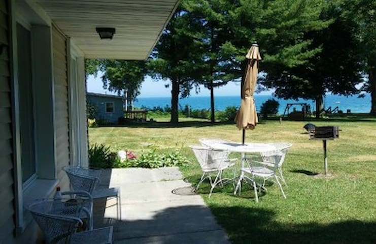 A1 Cottage #2 is lake front, 3 bedrooms, sleep 6!