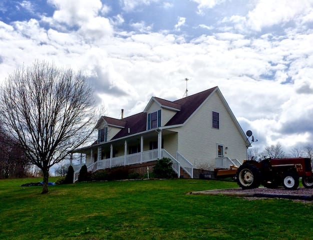 Rural Comfort--Explore & Relax! - Frostburg - House
