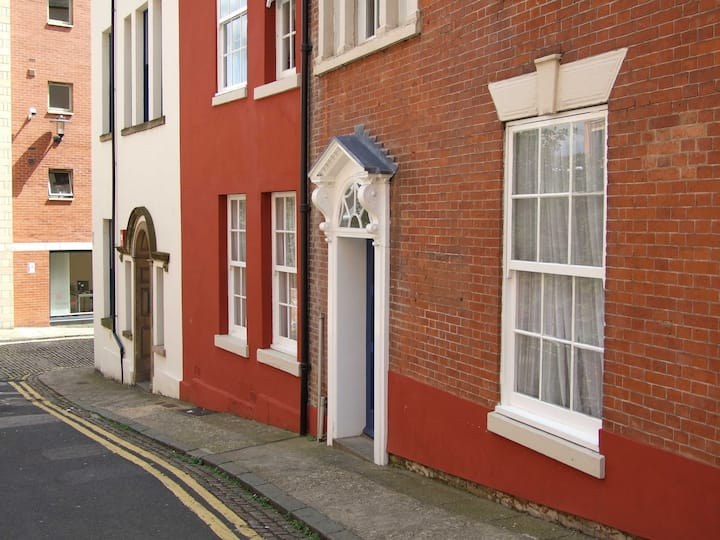 Share a large flat in centre of Nottingham