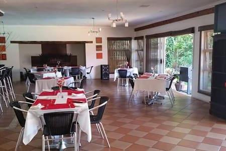 Lazaros Guesthouse - Alberton