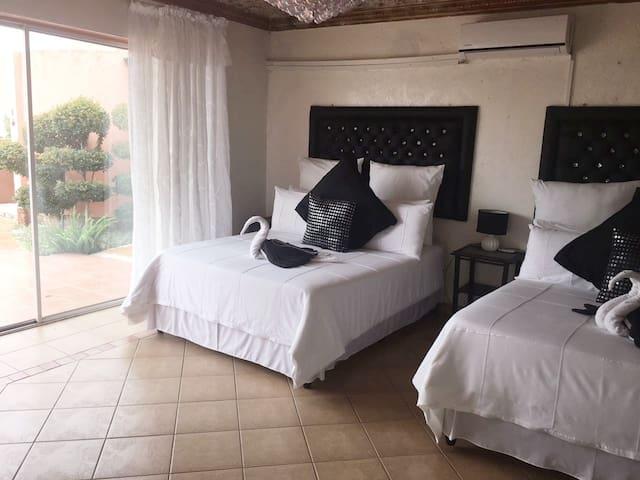 Simple but stylish qudruple room