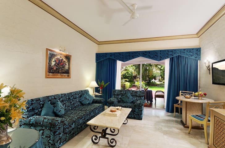 Super Luxurious Suite at The Golden Palms - Bengaluru - Boutique hotel