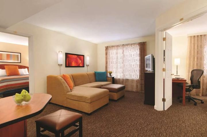 Cute And Cozy Suite Two Double Beds One Bedroom  At Englewood