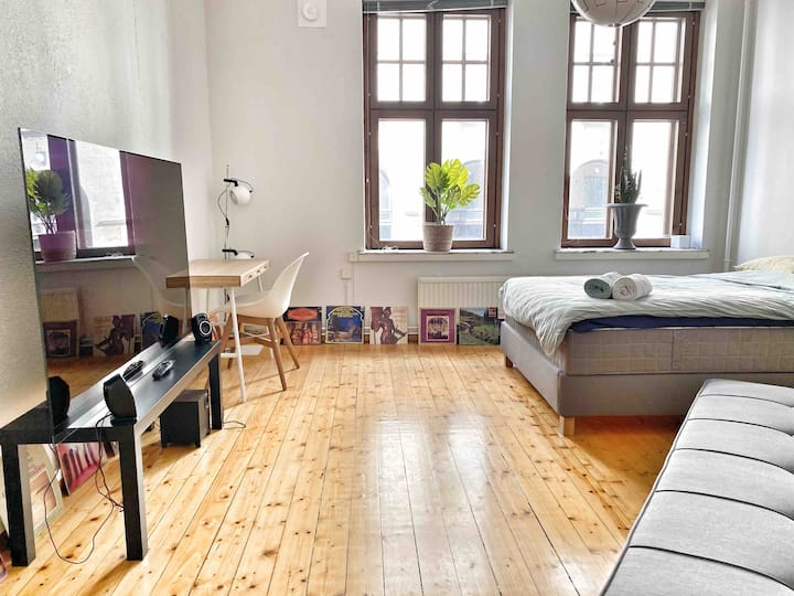 Wonderful 64 m2 flat with two rooms in Kamppi