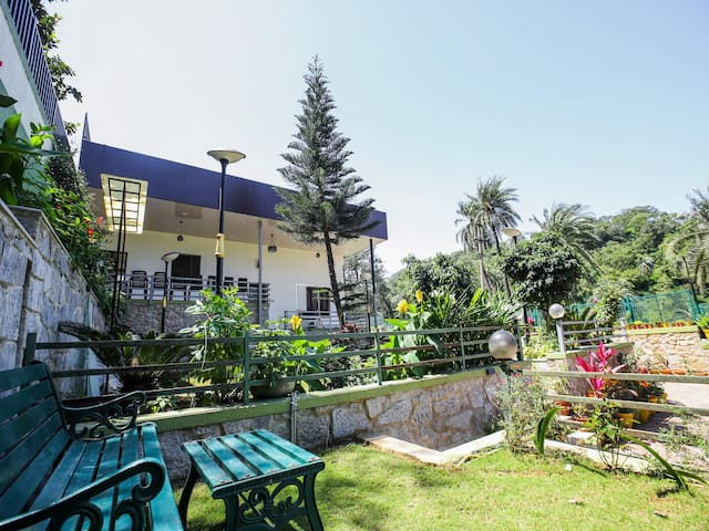 OYO 1BR Stay near Sunset Point(3km) - Last Minute Deals!