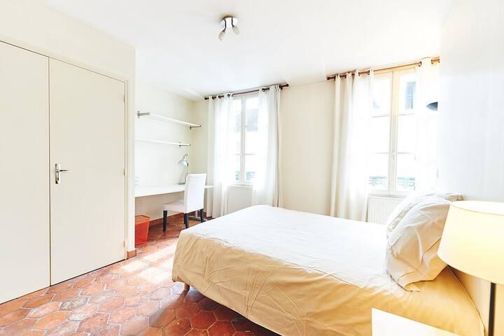 l' Arbre Sec House _ INSEAD_ Bedroom 4