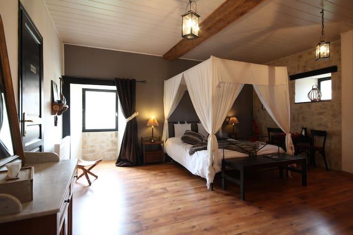 Le petit bonheur 21 ; our savannah bedroom