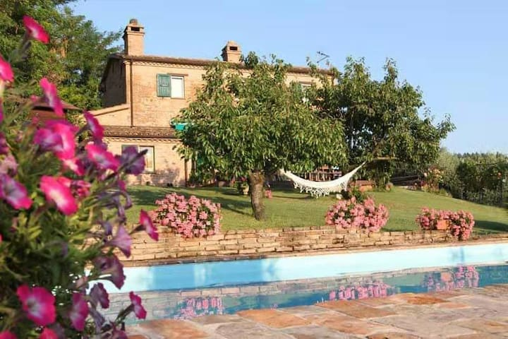 La Casina di Marzia, Country House con piscina