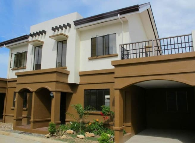 3- Bedrooms unit fully furnished and with terrace!