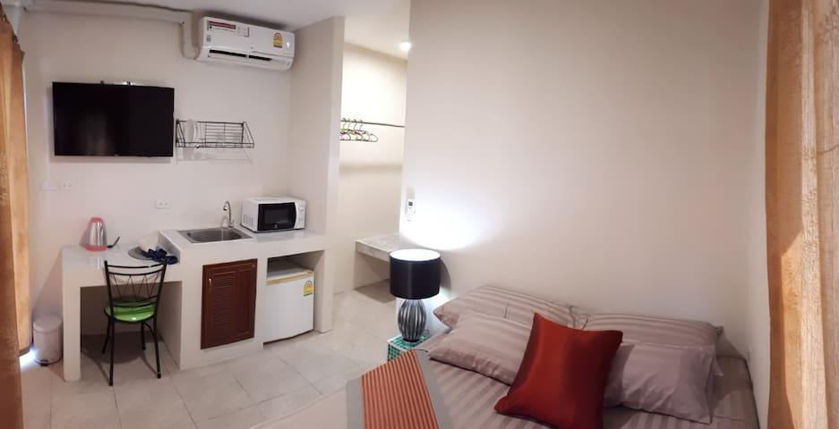 Studio Apartment with mini-kitchen and aircon